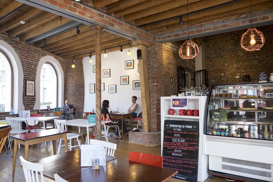 Le Phare du Kanaal restaurant coworking bar Molenbeek Bruxelles Brussels - HOTPOPOTE